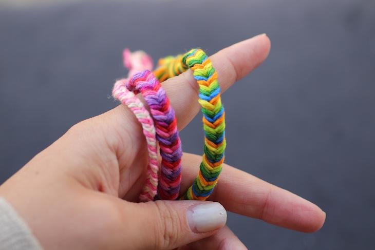 Diy Friendship Bracelets Fishtail Braid The Stripe