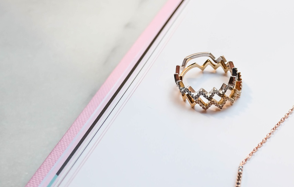 charm and chain mined giveaway the stripe 1