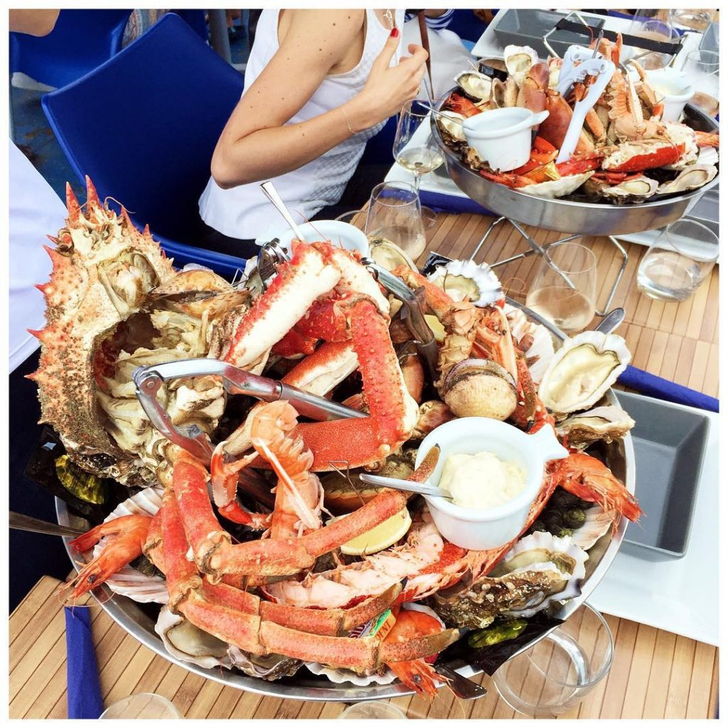 what to pair with stripes? A big platter of lobsterhellip