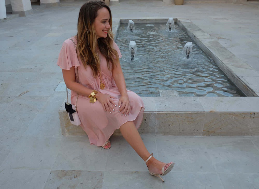 Easy Vacation Outfit Ideas - French Connection Brooke Tea Dress, Kate Spade On Pointe Perfume Bottle Cross-Body // Grace Atwood, The Stripe - Los Cabos Film Festival