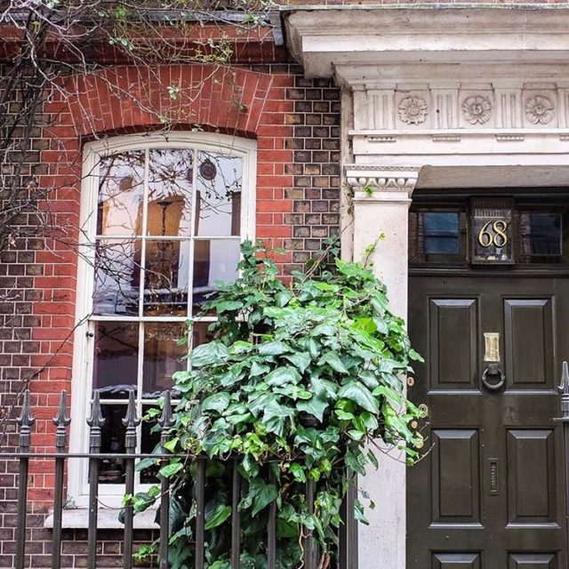 the prettiest little corner nook! london igerslondon sopretty goodmorning myfavhellip