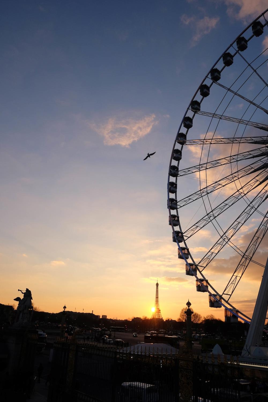 sunset in Paris // the stripe
