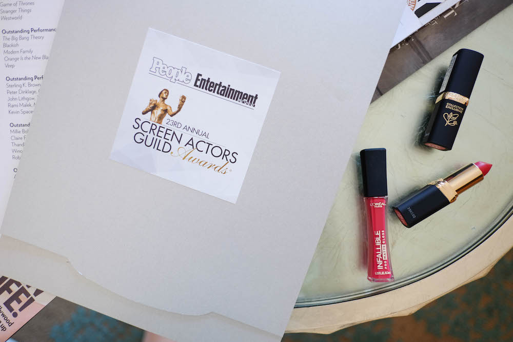 sag awards 2017 // l'oreal red lipsticks - julianne's red