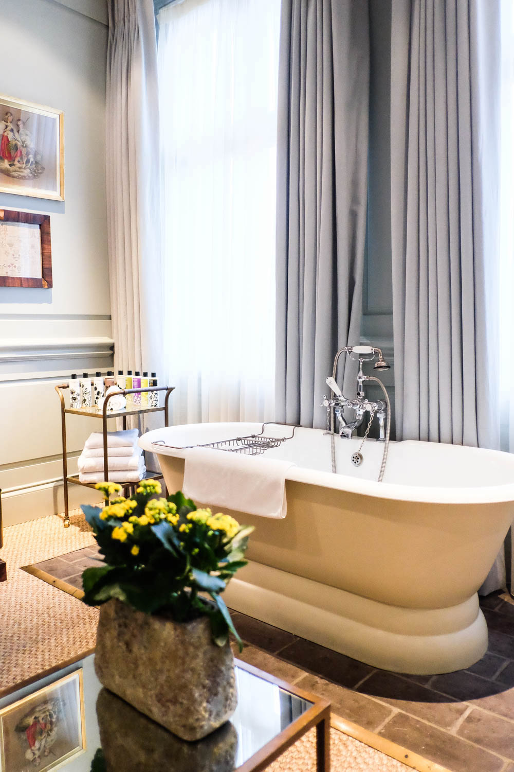dean street townhouse - in room bath tub | 36 hours in london, the stripe