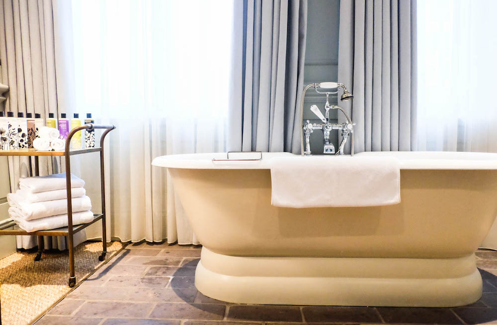 dean street townhouse bath tub | the stripe, 36 hours in london