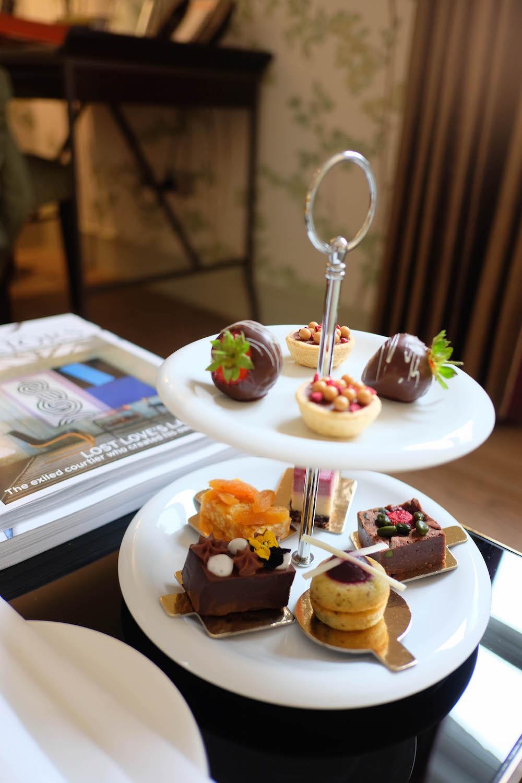 london travel diary - the stripe - brown's hotel london