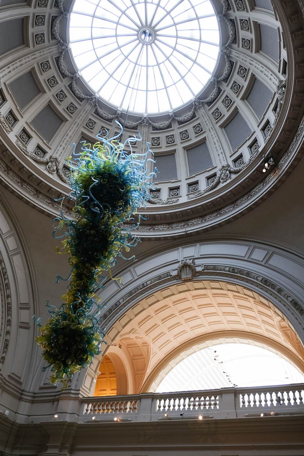 london travel diary - the stripe - the V&A museum lobby