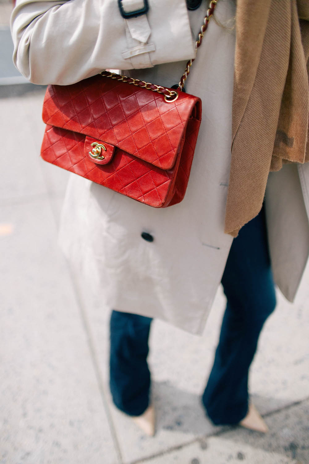 the best flare jeans, vintage chanel purse | the stripe