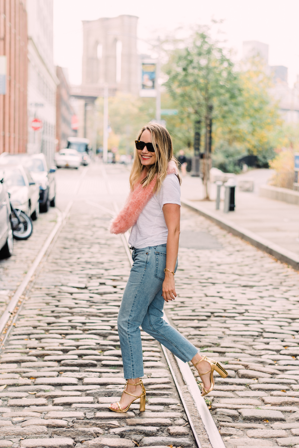 club monaco faux fur scarf, re/done originals relaxed crop frayed slim boyfriend jeans, kenneth cole deandra sandals | grace atwood, the stripe