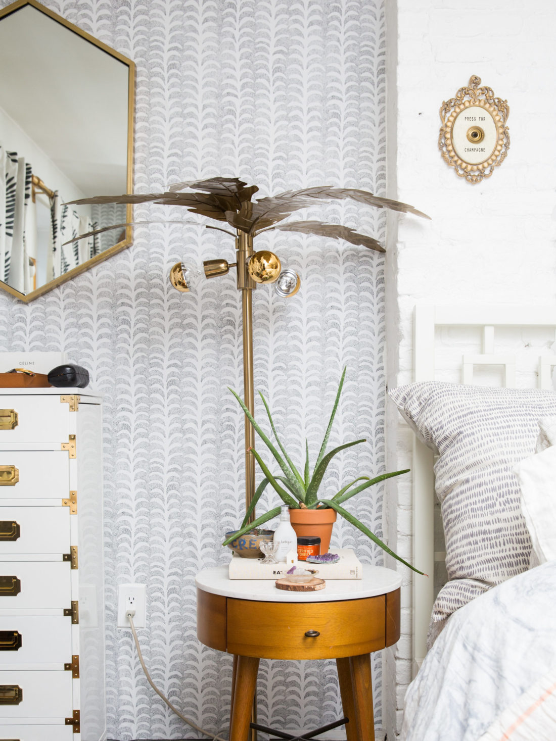 Brooklyn Apartment Tour {Video + LINKS} - The Stripe