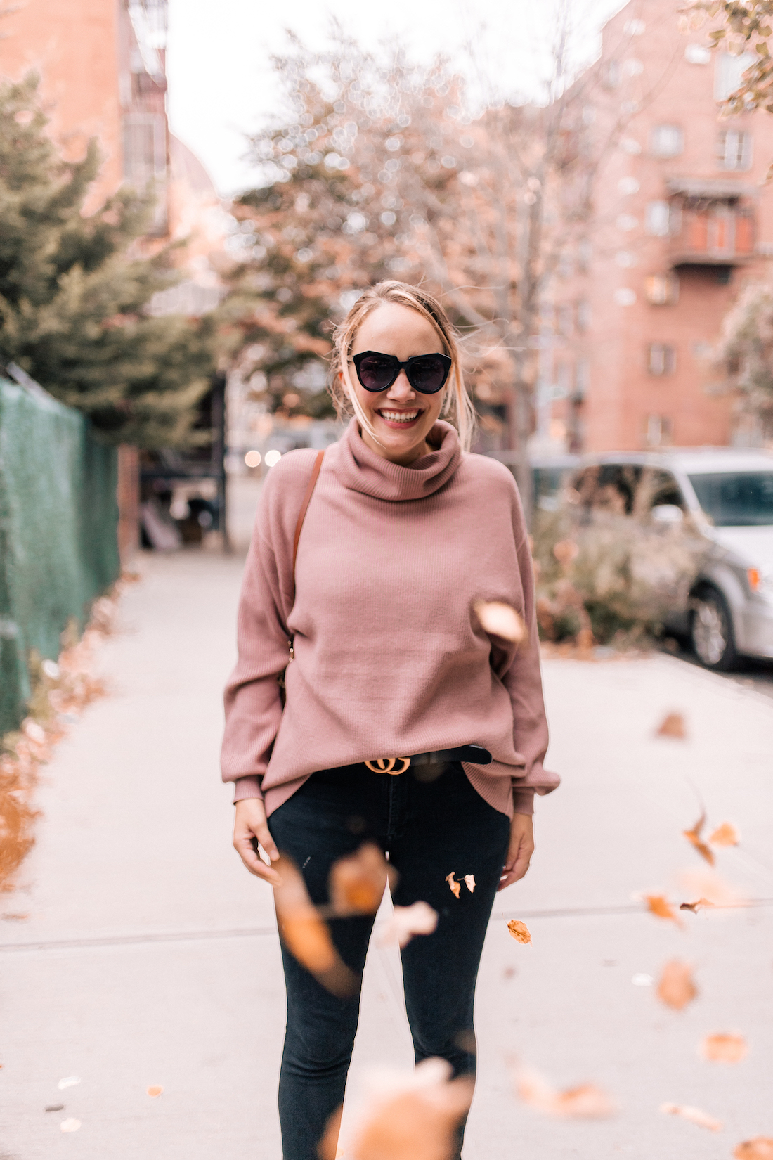 Free People Softly Structured Tunic Sweater //American Eagle Jeans // Gucci Belt // Karen Walker Sunglasses //Charlotte Tilbury Lipstick