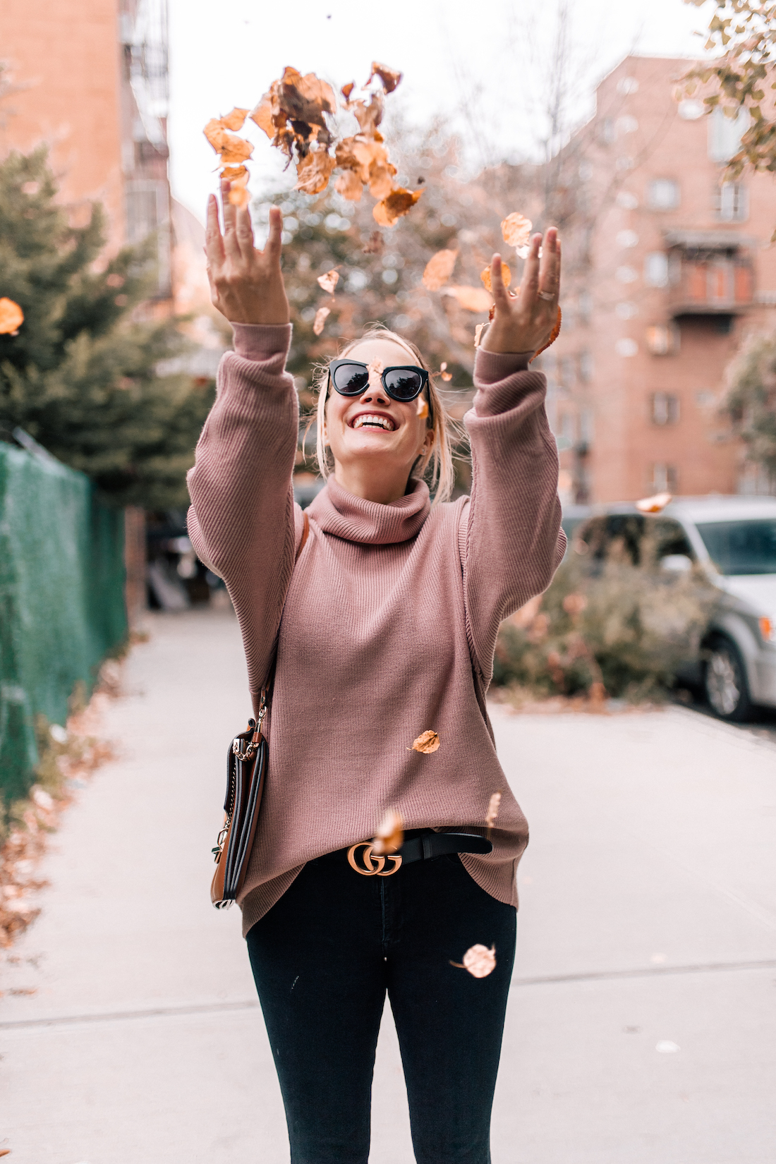 Free People Softly Structured Tunic Sweater //American Eagle Jeans // Gucci Belt // Chloe Faye Bag //Karen Walker Sunglasses //Charlotte Tilbury Lipstick