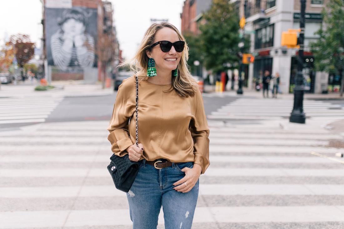 Outfit Details:Levi's Jeans //Vince Blouse  //Tuckernuck Earrings// Polaroid Sunglasses //J.Crew Belt //Chanel Purse