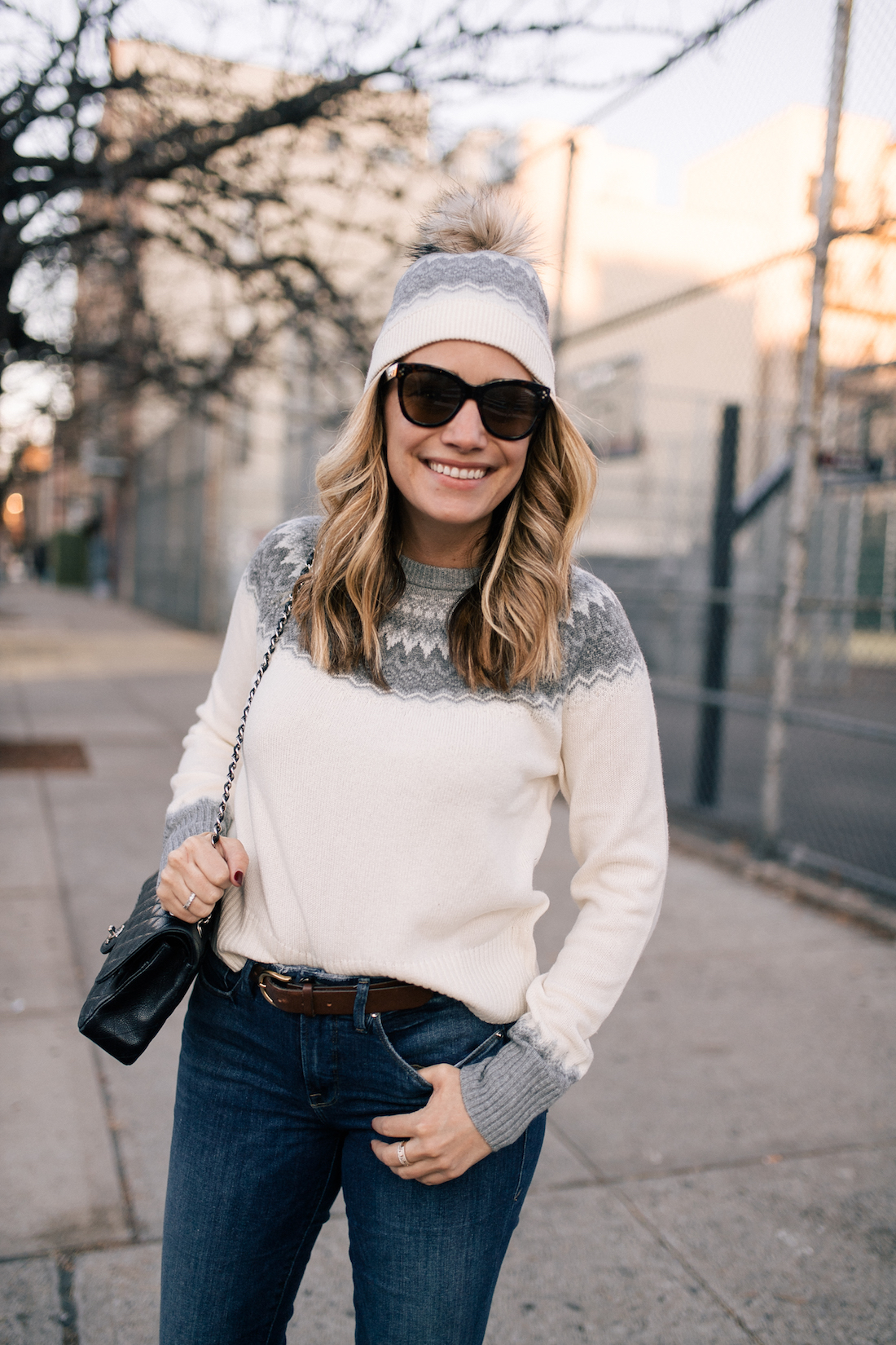 Outfit Details: Vineyard Vines Sweater + Hat (c/o) // Good American Jeans / Polaroid Sunglasses