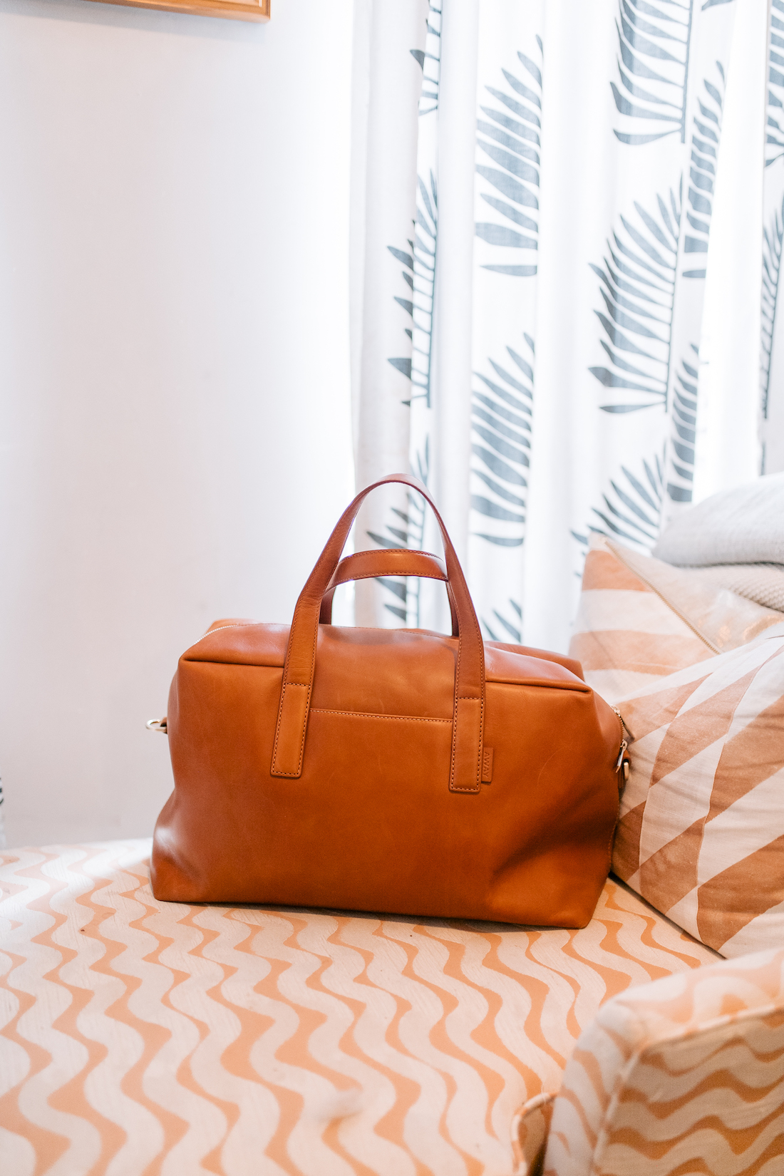 how to pack light for weekend getaway