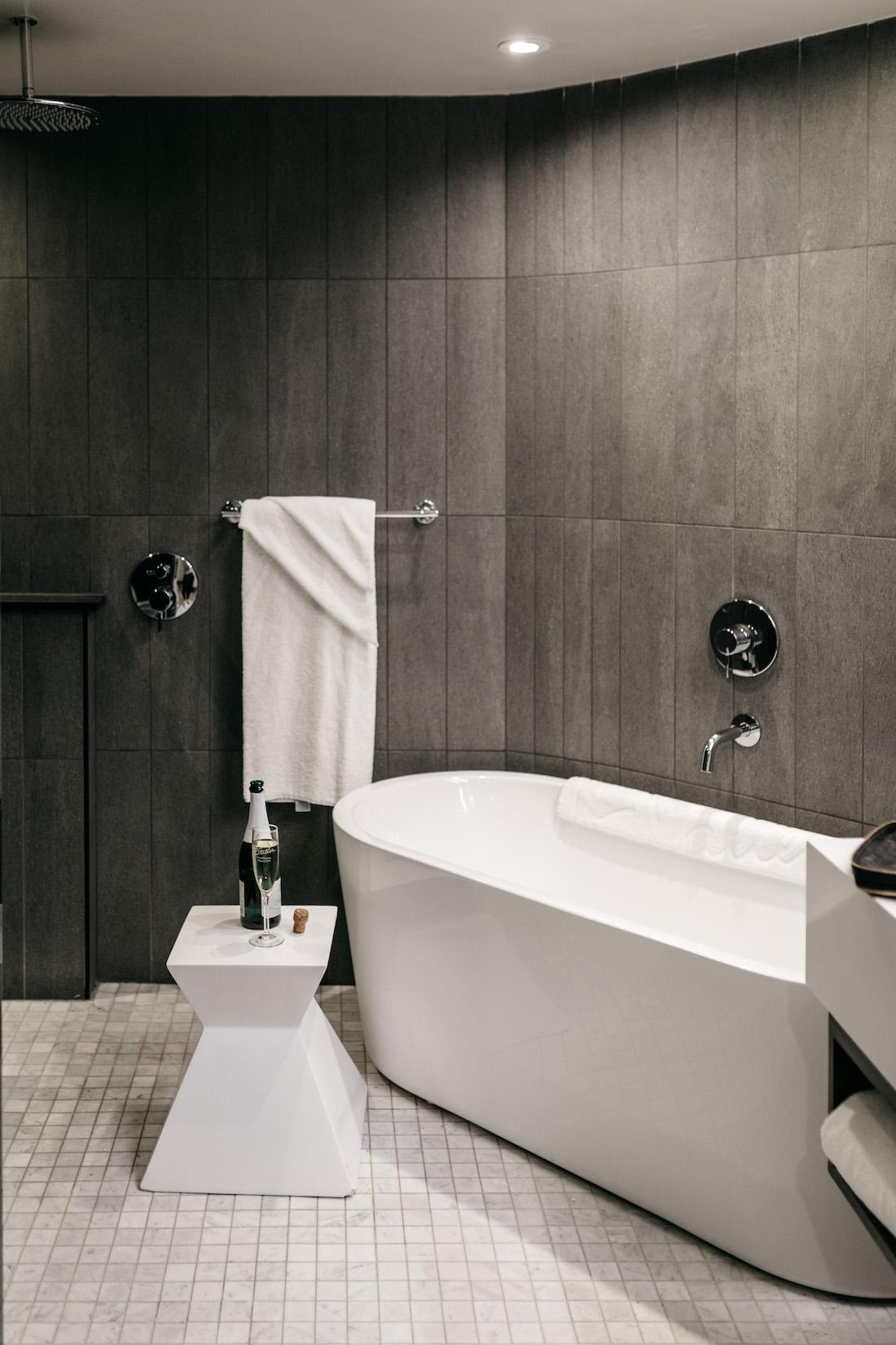 statler bathtub