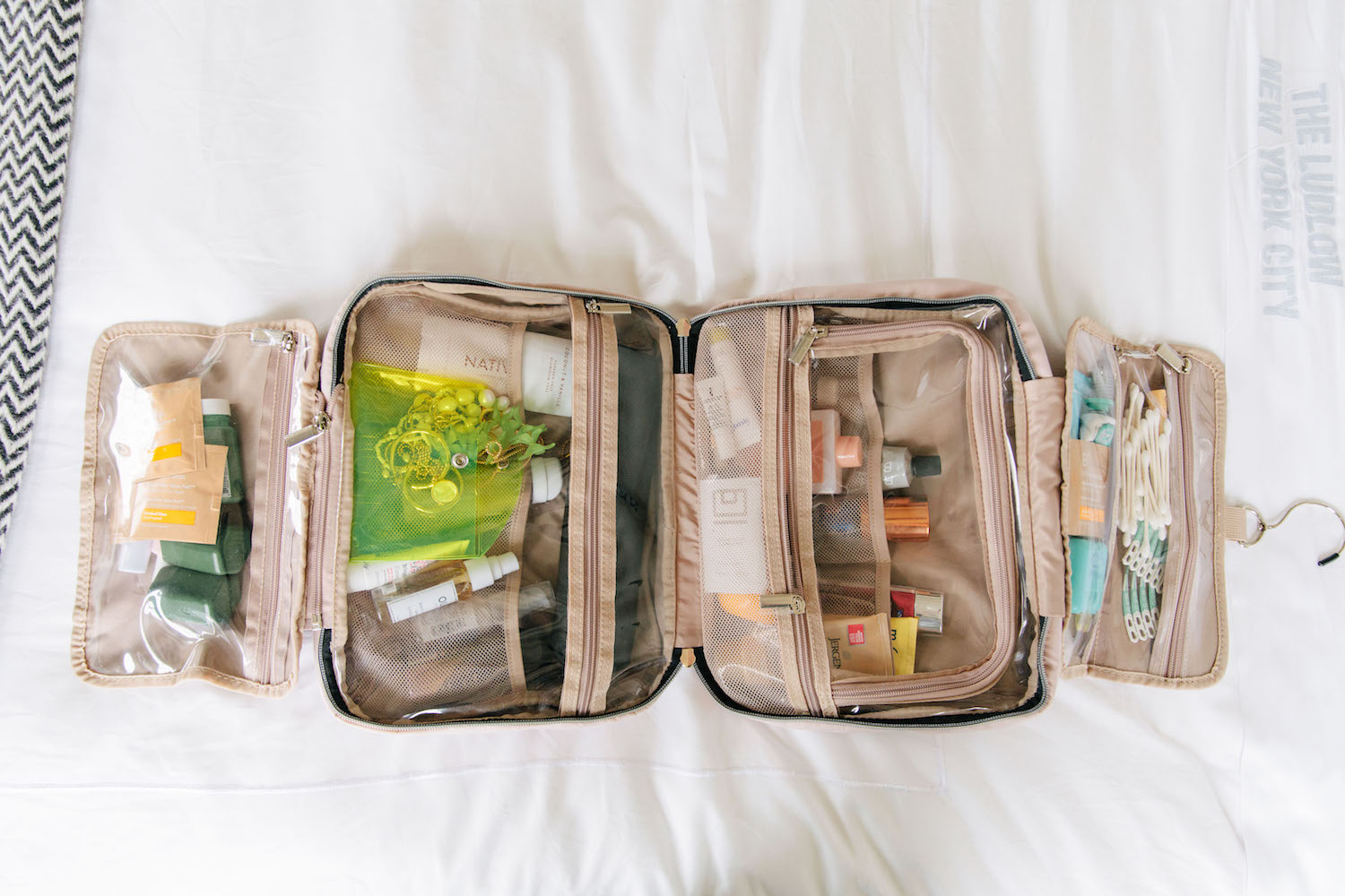 The Best Travel Bag for Toiletries